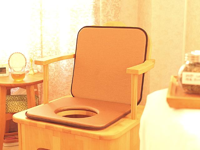 よもぎ蒸し凛の背もたれ椅子