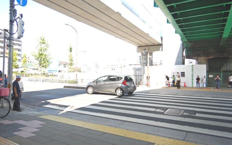 北綾瀬駅前交差点