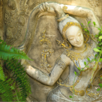 mother earth statue 女神